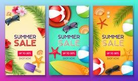 Sommerschlussverkaufplakat stellte mit 50% weg von den Rabatt- und Sommerelementen im bunten Hintergrund ein vektor abbildung