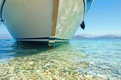 Sommerseeschiff lizenzfreie stockfotografie