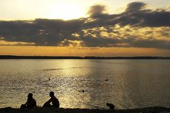 Sommersonnenuntergang lizenzfreie stockfotografie