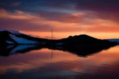 Sommersonnenuntergang in Antarktik Stockfotos