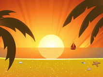 Sommersonnenuntergang und Segelboot Lizenzfreie Stockfotografie