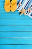 Sommerstrand-Hintergrundgrenze Stockbilder