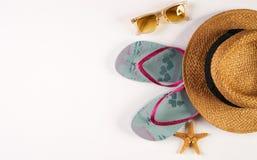 Sommerstrandfrauen ` s Zubehörstrohhut Lizenzfreie Stockbilder