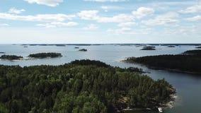 Sommertag im Archipel durch das Finnische Meerbusen stock video