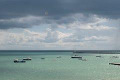 Sommertag in Meer lizenzfreie stockfotos
