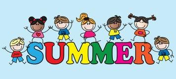 Sommertitel mit verschiedenen Mischkindern Stockbild