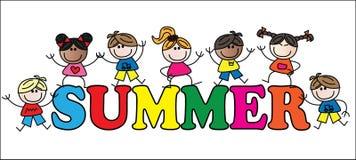 Sommertitel mit verschiedenen Mischkindern Stockfoto