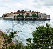 Sommerurlaubsortlandschaft, Insel von St Stephen, Budva, Adriati Lizenzfreie Stockfotografie