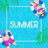 Sommerzeit-Hintergrunddesign mit blauem Wasser des Pools stockfotos