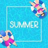 Sommerzeit-Hintergrunddesign mit blauem Wasser des Pools stockfoto