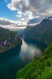 Sommerzeitansicht über Gejranger-Fjord, Norwegen Stockbild