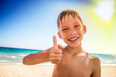 Sommerzeitfan auf Strand stockbilder