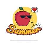 Sommerzeitillustration Nette Apfelzeichentrickfilm-figur auf Weiß Lizenzfreies Stockbild