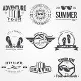 Sommerzeitsatz Touristische Agentur Reise um die Welt Ausführliche Elemente Typografische Aufkleber, Aufkleber, Logos und lizenzfreie abbildung