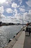 Sommerzeitszene entlang Poole-Hafen auf der Dorset-Küste von England Stockbilder