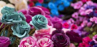 Sommige bloemen in de tuin stock afbeelding