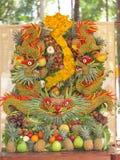 Sommige kunstwerken van het fruit van Vietnam artistiek die het snijden decoratiefestival in Tao Dan Park wordt gehouden om met h Stock Afbeeldingen