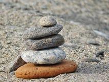 Sommige stenen op een strand Stock Fotografie