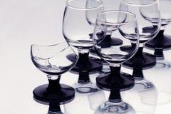 Sommige wijnglazen met gebroken  Royalty-vrije Stock Foto's