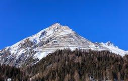 Sommità della montagna di Schiahorn come visto da Tavate immagini stock libere da diritti