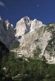 Sommità di Jalovec nelle alpi di Julian Fotografie Stock