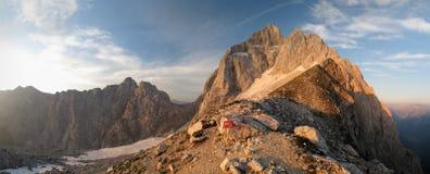 Sommità di Jalovec nelle alpi di Julian Fotografia Stock