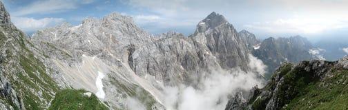 Sommità di Jalovec nelle alpi di Julian Immagine Stock Libera da Diritti