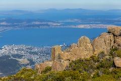 Sommità sbalorditiva del supporto Wellington che trascura Hobart ed il fiume di Derwent Fotografie Stock