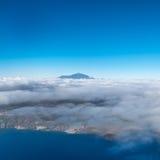 Sommità sopra le nuvole, Pico del Teide della montagna Fotografie Stock
