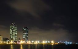 Somorrostro海滩在夏夜 巴塞罗那西班牙 库存照片