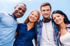 Somos todos buenos amigos Imagen de archivo libre de regalías