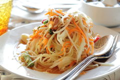 Somtam eller Papayasallad, den mest berömda maten av Thailand Royaltyfria Foton