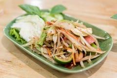 Somtum: Еда очень вкусного и традиции тайской еды вегетарианская, нет Стоковые Изображения