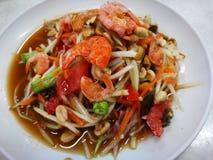 Somtum f?r Thailand favorit- menyappell som var kryddig sallad f?r papaya royaltyfri foto