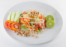 SomTum, thailändsk papayasalladserve med grönsaker Royaltyfri Foto