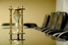 Son heure pour la réunion d'affaires Photo stock