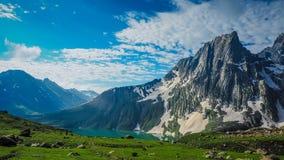 Sonamarg,查谟和克什米尔状态美好的山风景, 免版税库存图片