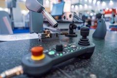 Sonda di misura di controllo di qualità Mach metallurgico di fresatura di CNC Immagini Stock