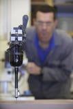 Sonda di tocco del multisensor e dell'operaio Fotografia Stock Libera da Diritti