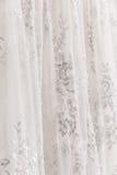 Sonderkommandos der Braut kleiden Gewebe und schönes Stickerei weddi Stockbild
