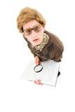 Sonderlingkerl, der versucht zu lesen Lizenzfreies Stockfoto