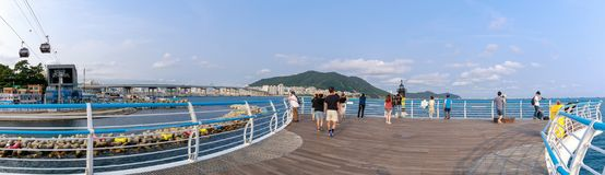 Songdo海滩地平线、Songdo云彩足迹和歌曲海洋缆车在釜山,韩国 库存图片