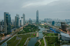 Songdo Central Park в финансовом районе International Songdo Стоковые Изображения RF
