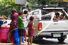 Songkarn siamesisches neues Jahr - Wasserfestival Lizenzfreies Stockfoto
