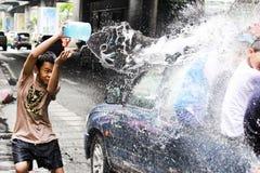 Songkarnfestival bij Sukhumvit-weg, Bangkok, Thailand 15 April 2014 Stock Fotografie