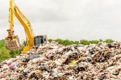 SONGKHLA, ТАИЛАНД - 4-ОЕ АВГУСТА: Избавление муниципальных отходов Стоковая Фотография RF