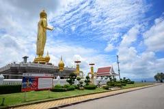 SONGKHLA, la TAILANDIA settembre 18,2016 - tempio e Buddha dorato Immagini Stock