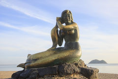 SONGKHLA, TAILANDIA - 26 settembre: Statua settembre 26,2016 della sirena alla spiaggia di Samila, Songkhla, Tailandia Statua del Fotografia Stock