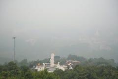 SONGKHLA THAILAND: OKTOBER 22: Ogenomskinlighet fyller cityen, Royaltyfri Foto