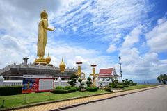 SONGKHLA, THAILAND September 18,2016 - Temple and Golden Buddha Stock Images